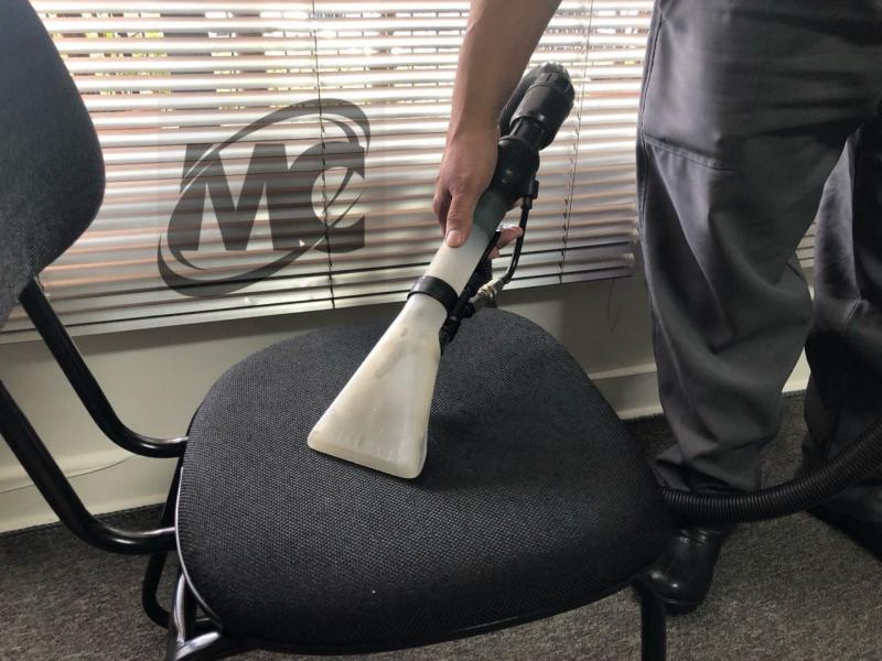 Lavagem de cadeiras